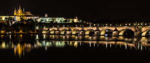 Charles_Bridge_at_night_-_Prague_01